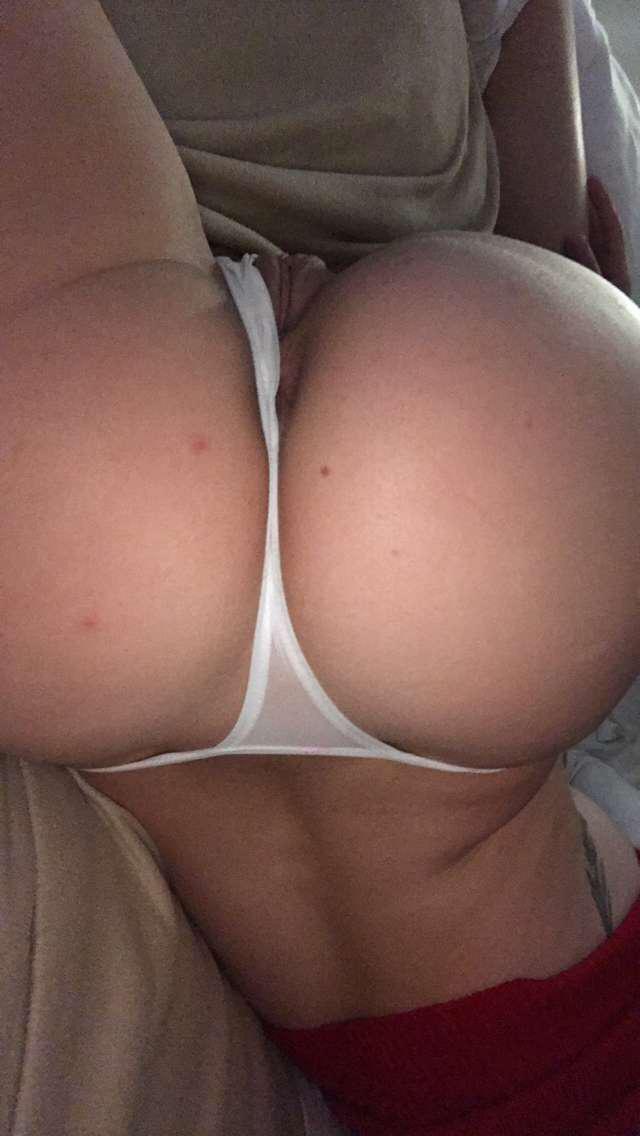 Djarii naked